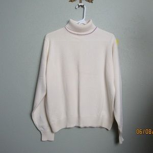 LL Bean Soft Cotton Sweater Embroidery Neck Sz Lg